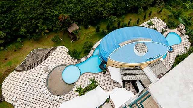 Marbella-Suite-Swimming-Pool2